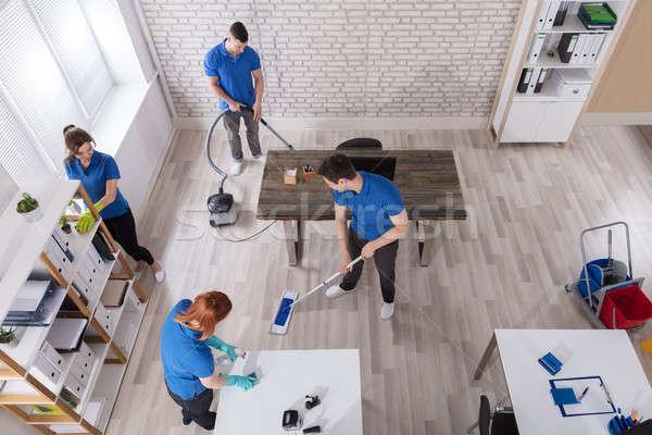 Kilátás takarítás iroda egyenruha modern felszerelések Stock fotó © AndreyPopov