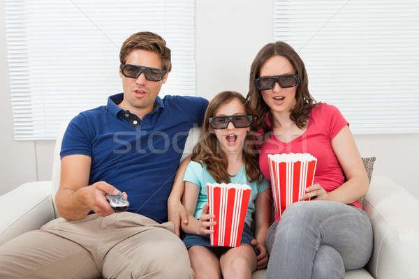Geschokt familie kijken 3D film home Stockfoto © AndreyPopov