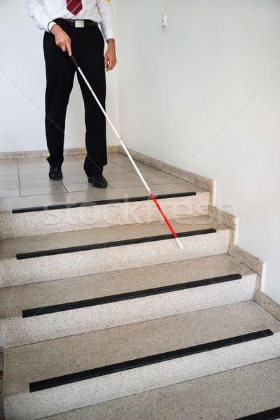 Ciego hombre movimiento abajo escalera Foto stock © AndreyPopov
