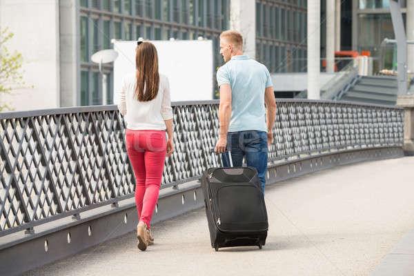 Para spaceru most bagażu widok z tyłu Zdjęcia stock © AndreyPopov