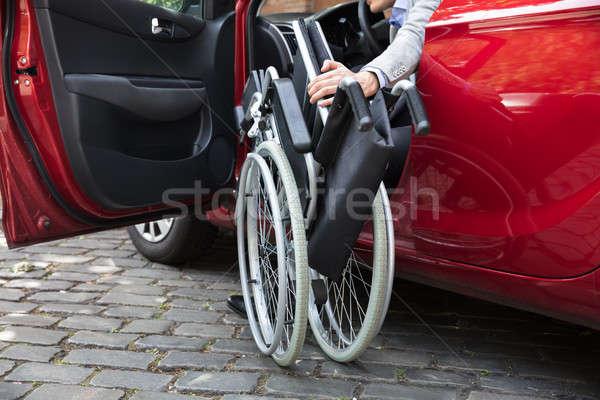 Foto stock: Homem · sessão · carro · cadeira · de · rodas · moço · vermelho