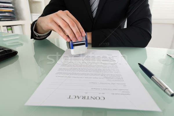 Affaires document main affaires droit Photo stock © AndreyPopov