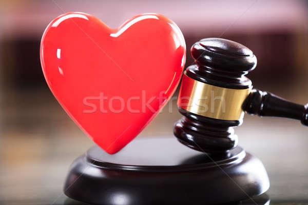 ストックフォト: クローズアップ · 赤 · 中心 · 小槌 · 法廷 · 法