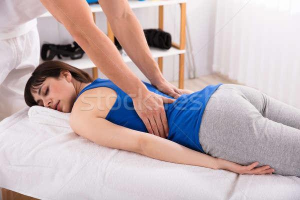 Сток-фото: назад · массаж · женщину · стороны