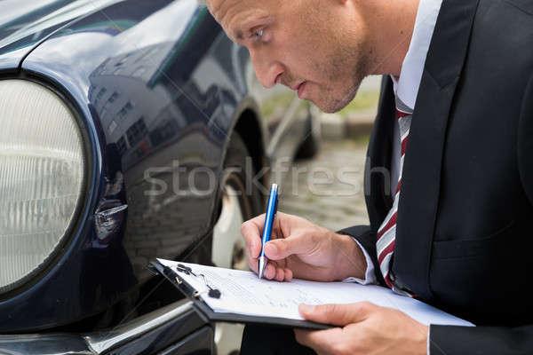 Homem seguro reivindicar forma enchimento Foto stock © AndreyPopov