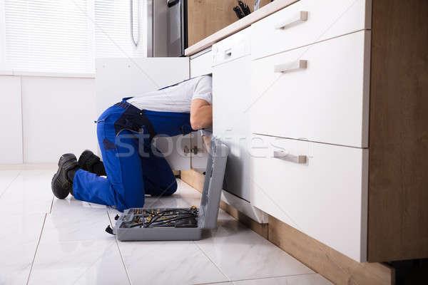 Vízvezetékszerelő megjavít mosdókagyló cső átfogó konyha Stock fotó © AndreyPopov
