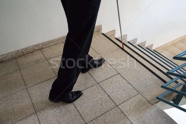 Niewidomych człowiek spaceru klatka schodowa Zdjęcia stock © AndreyPopov