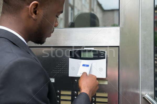 Foto stock: Empresário · abrir · a · porta · jovem · africano · escritório