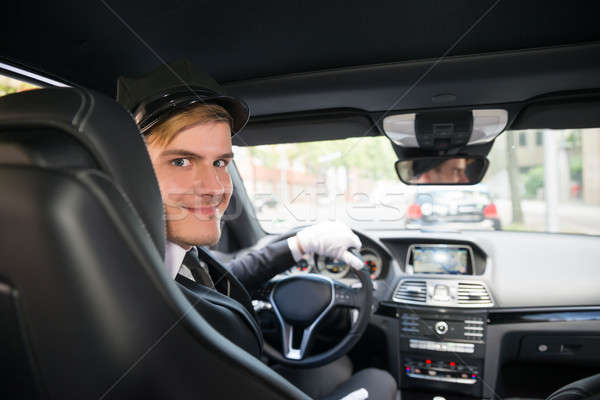 Photo stock: Portrait · souriant · jeunes · chauffeur · voiture · élégant