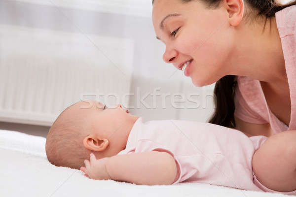 Stockfoto: Moeder · spelen · baby · mooie · cute · glimlach