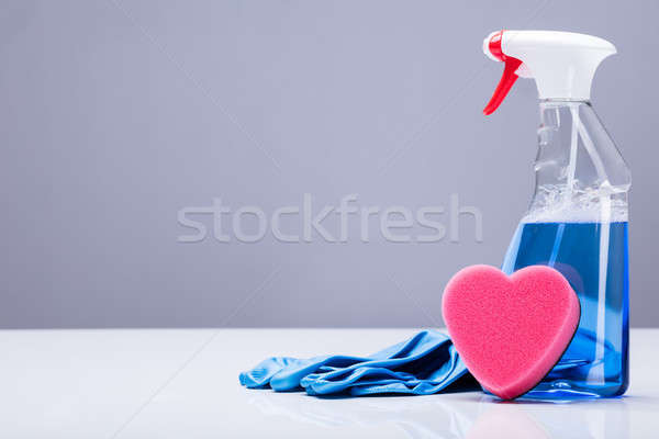 Limpeza spray luvas de borracha forma de coração esponja azul Foto stock © AndreyPopov