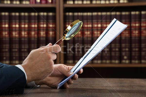 Avvocato documenti lente di ingrandimento immagine Foto d'archivio © AndreyPopov