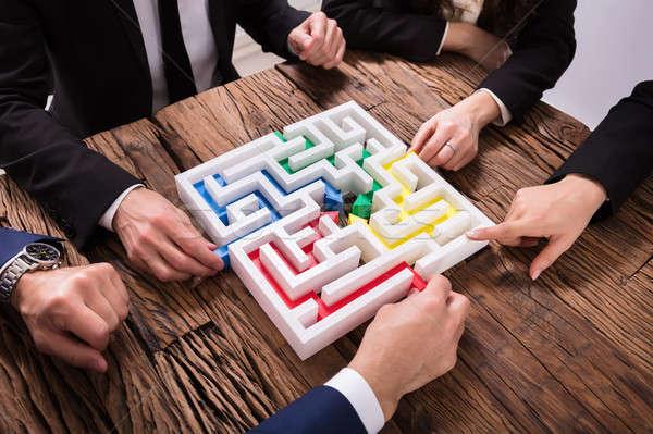üzletemberek kéz labirintus együtt kilátás fából készült Stock fotó © AndreyPopov