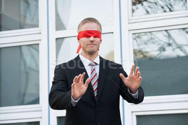 目隠し ビジネスマン 立って ウィンドウ 小さな ストックフォト © AndreyPopov