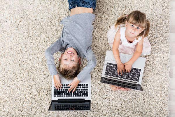 Stock fotó: Gyerekek · laptopok · magasról · fotózva · kilátás · gyerekek · laptop · számítógép