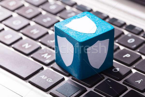 セキュリティ シールド 青 ノートパソコン キーパッド クローズアップ ストックフォト © AndreyPopov