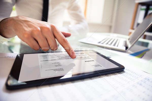 Empresário digital comprimido mão Foto stock © AndreyPopov