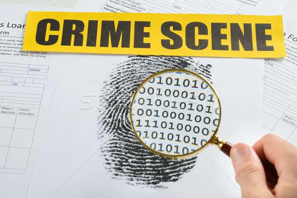 Foto stock: Pessoa · mão · lupa · cena · do · crime · fita · documento