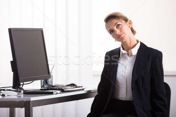 Stockfoto: Zakenvrouw · nek · oefening · jonge · vergadering · stoel