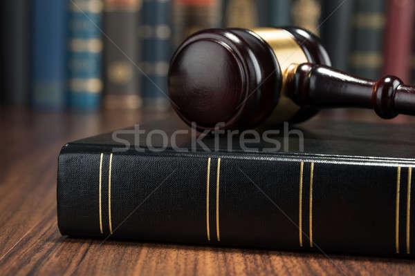 Foto stock: Martillo · ley · libro · primer · plano · foto · madera