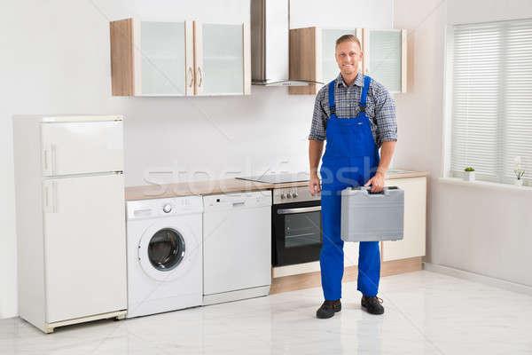 Werknemer toolbox jonge gelukkig mannelijke Stockfoto © AndreyPopov