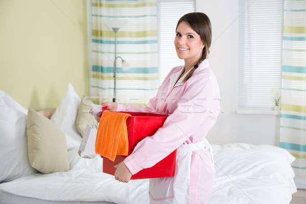 женщины экономка моющее средство очистки комнату счастливым Сток-фото © AndreyPopov