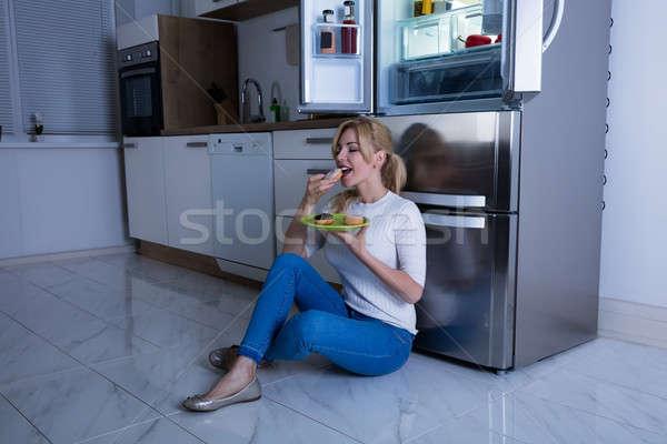 женщину еды сладкие блюда холодильнике молодые счастливым Сток-фото © AndreyPopov