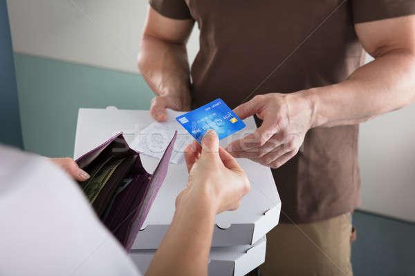 Nő hitelkártya fizetés pizza ház otthon Stock fotó © AndreyPopov