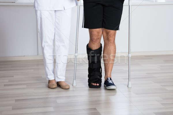 Bajo vista herido personas pierna Foto stock © AndreyPopov