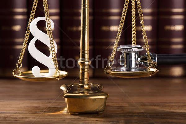 Absatz Symbol Stethoskop Gerechtigkeit Maßstab Stock foto © AndreyPopov