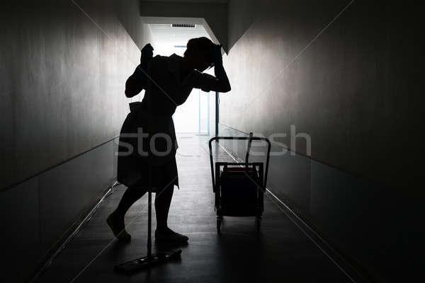 Stok fotoğraf: Siluet · kadın · hizmetçi · yorgun · çalışma · portre