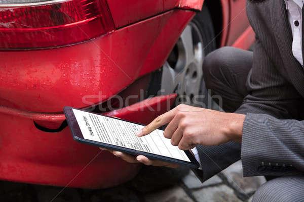 Ubezpieczenia agent nadzienie dochodzić formularza cyfrowe Zdjęcia stock © AndreyPopov