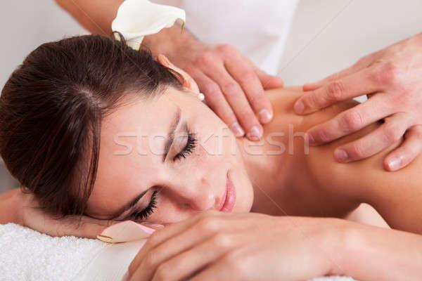 Piękna młoda kobieta ramię masażu spa kobieta Zdjęcia stock © AndreyPopov