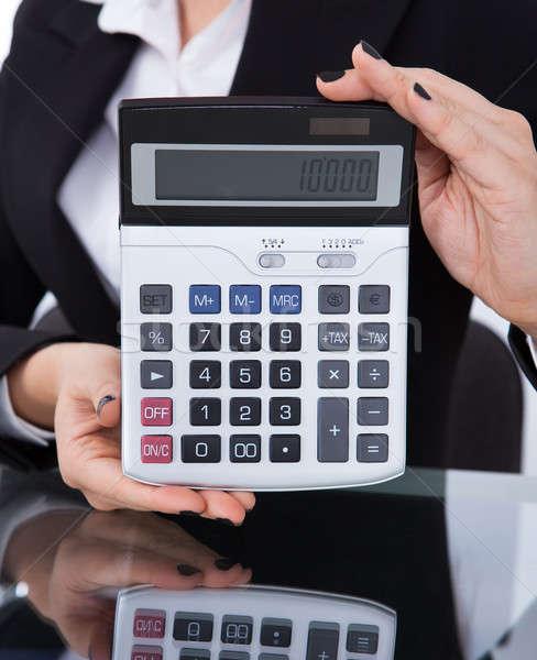 Zdjęcia stock: Kobieta · interesu · Kalkulator · biurko · biuro · kobieta