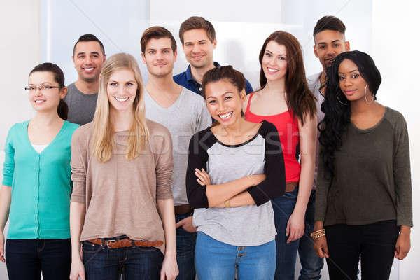 Stok fotoğraf: Kolej · Öğrenciler · ayakta · birlikte · grup · portre