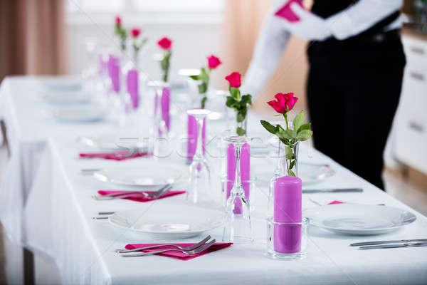 Férfi pincér szalvéta esküvő asztal szerver Stock fotó © AndreyPopov