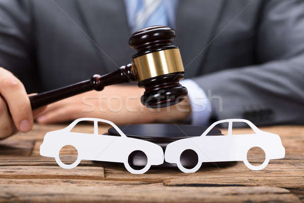 裁判官 車 ダメージ 評価 紙 車 ストックフォト © AndreyPopov