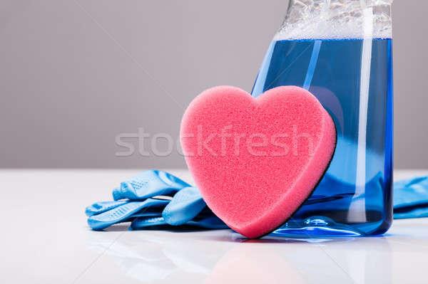 Schoonmaken spray rubberen handschoenen hartvorm spons Blauw Stockfoto © AndreyPopov