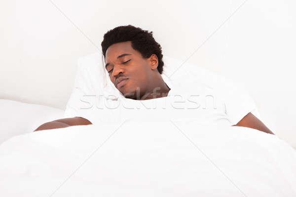 Foto stock: Jóvenes · África · hombre · dormir · cama · guapo