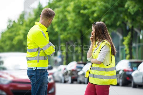 Bezorgd paar naar kapotte auto permanente straat Stockfoto © AndreyPopov