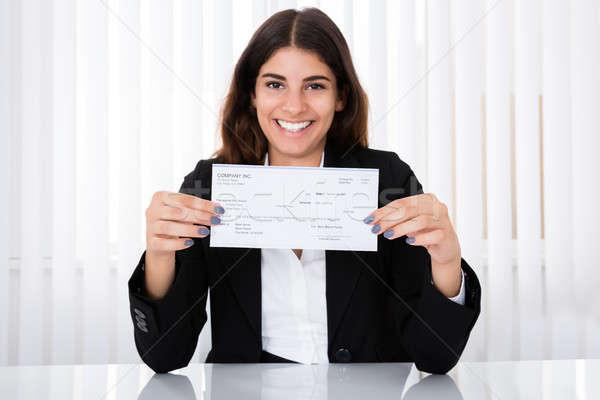 Stockfoto: Geslaagd · zakenvrouw · tonen · cheque · bureau · kantoor