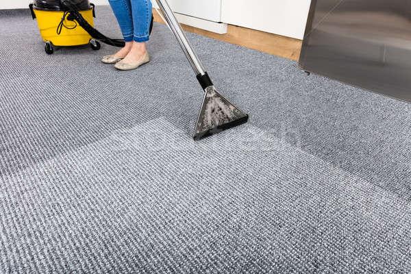 Porszívó szőnyeg közelkép takarítás munka szolgáltatás Stock fotó © AndreyPopov