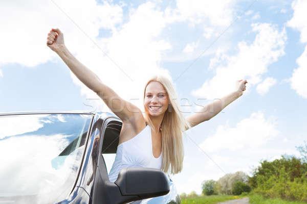 Kadın el dışarı araba pencere mutlu Stok fotoğraf © AndreyPopov