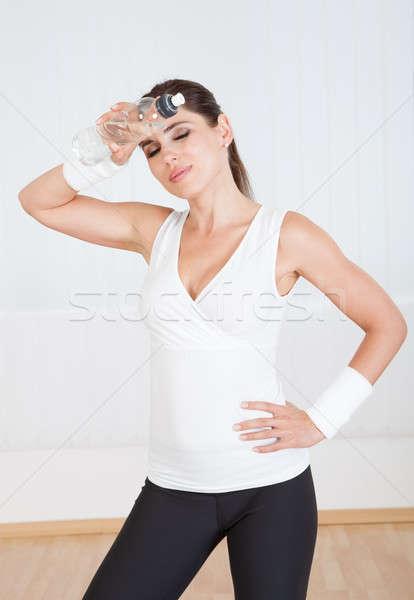 спортивный женщину питьевая вода привлекательный питьевой свежие Сток-фото © AndreyPopov
