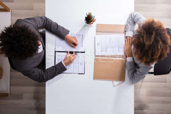 Masculina gerente femenino solicitante vista Foto stock © AndreyPopov
