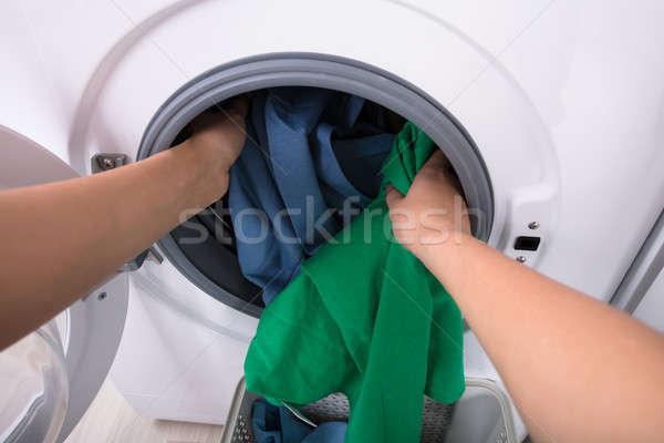 Nő ruházat mosógép közelkép kéz otthon Stock fotó © AndreyPopov