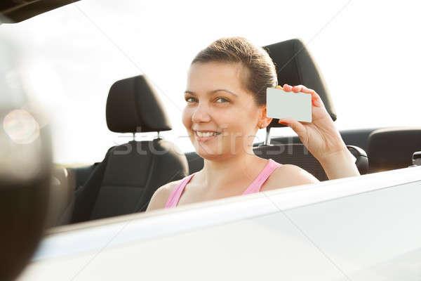 Vrouw tonen rijden licentie gelukkig jonge vrouw Stockfoto © AndreyPopov