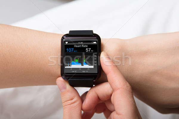 Bicie serca monitor smart oglądać bicie serca Zdjęcia stock © AndreyPopov