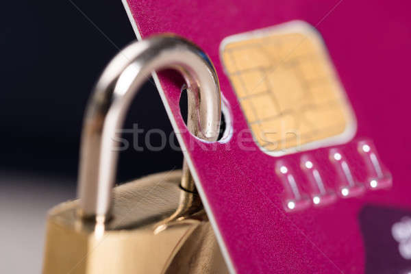 Hangslot bevestigd creditcard zwarte geld Stockfoto © AndreyPopov