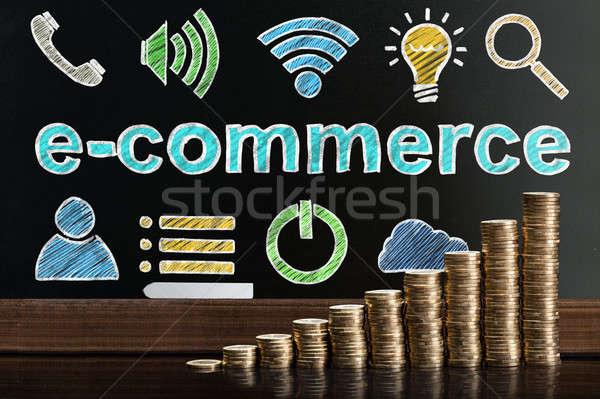 Eコマース オンラインショッピング 黒板 後ろ コイン お金 ストックフォト © AndreyPopov